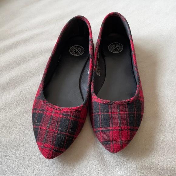 Women's Plaid Flats Red Black Size 9.5